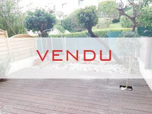 VENDU — Studio – Les Poètes
